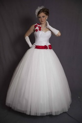 свадебные платья,  оформление зала,  детские платья,  дешево